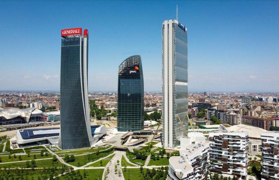 Salomon Running Milano sulla Torre Isozaki