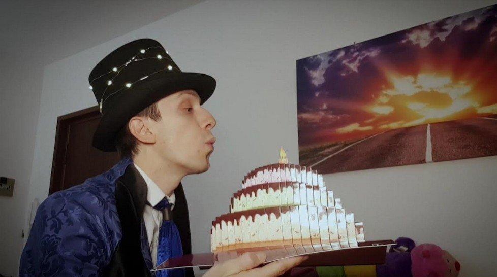 Video magie ai tempi del Coronavirus con i mini show del Mago Alesgar
