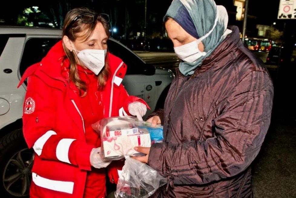 Essity & Croce Rossa Italiana a supporto delle donne senza dimora con il progetto