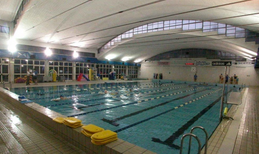 Apertura gratuita della piscina iseo dopo i lavori di for Piscina gratuita