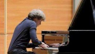 Il pianista Andrea Cantù