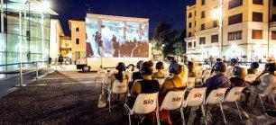 Cinequartiere: a Milano arriva il cinema itinerante che si sposta in truck