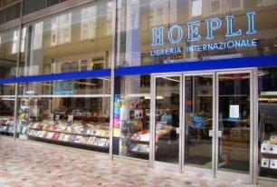 La libreria Hoepli attende il Natale