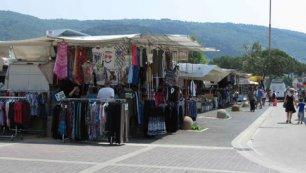 Il mercato del luned mattina a prato trovaserata il for Mercato prato