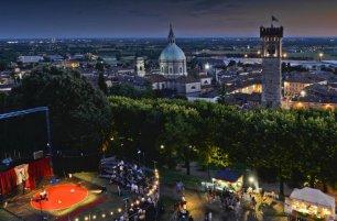 Lo spettacolo del grande Circo contemporaneo va in scena all'aperto a Lonato in Festival