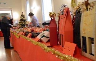 Mercato della solidarietà di don Mazzi a Palazzo Giureconsulti