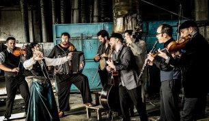Barcelona Gipsy Balkan Orchestra al Serraglio