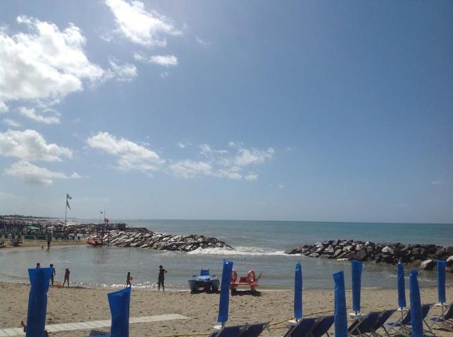 Bagno balena marina di pisa ristorante pizzeria - Bagno firenze marina di carrara ...