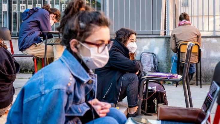 """Adolescenza e Covid, Borgna: """"Sarà la creatività a salvare i ragazzi dalla  pandemia"""" - la Repubblica"""