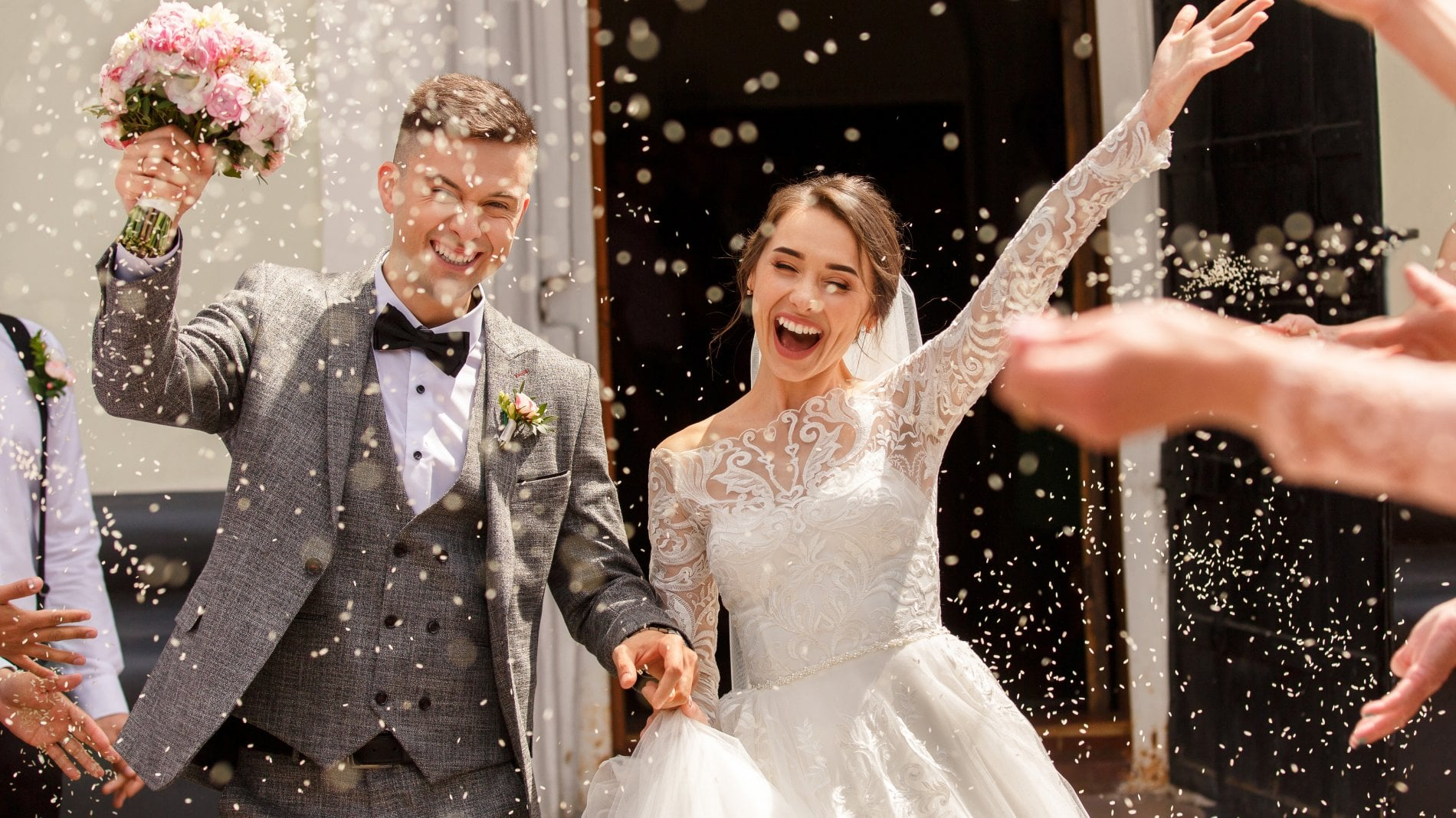 Ti invito a nozze: il decalogo del dress code (e gli errori da evitare) per lei e per lui