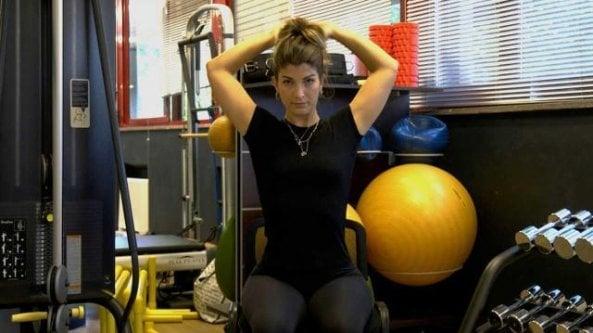 Restare in forma in smart working: gli esercizi da ripetere ogni ora