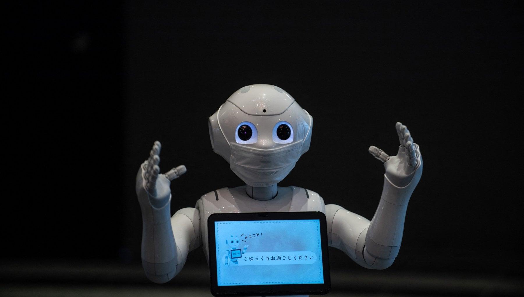 Tempi duri per i robot, SoftBank dice addio a Pepper