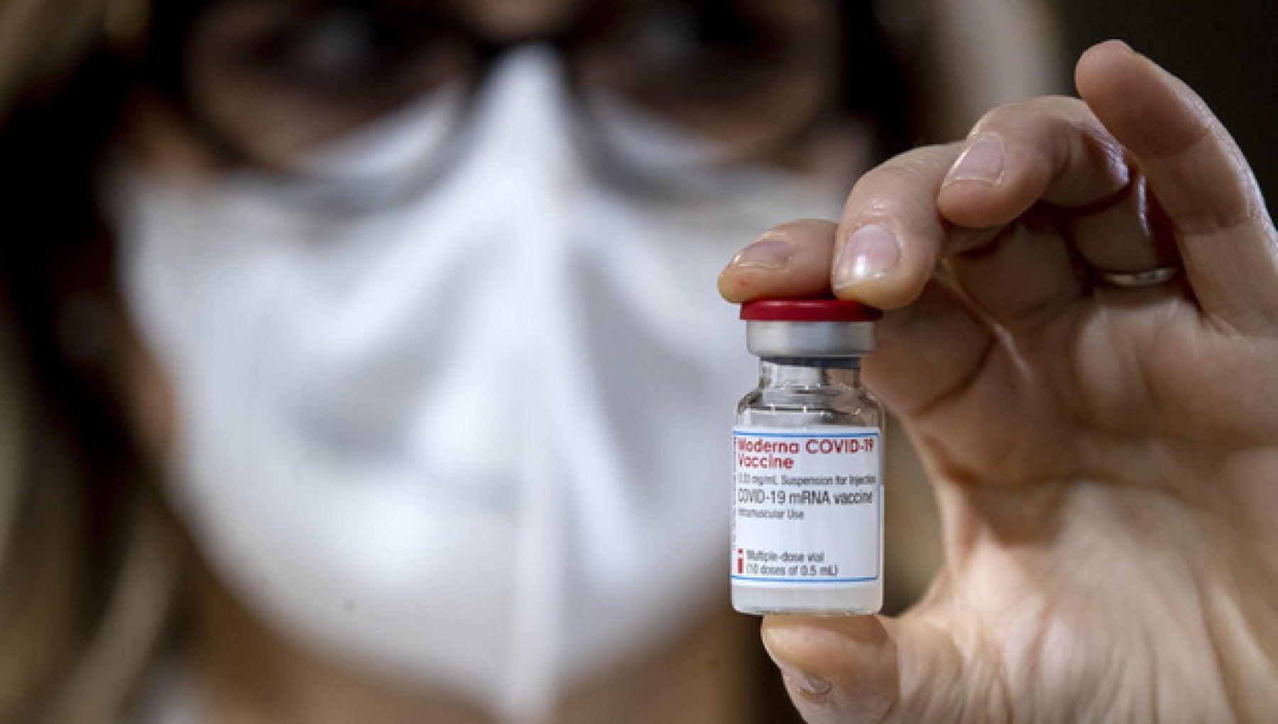 Covid, altro studio conferma: i vaccini a mRNA prevengono l'infezione, oltre il 95% di efficacia