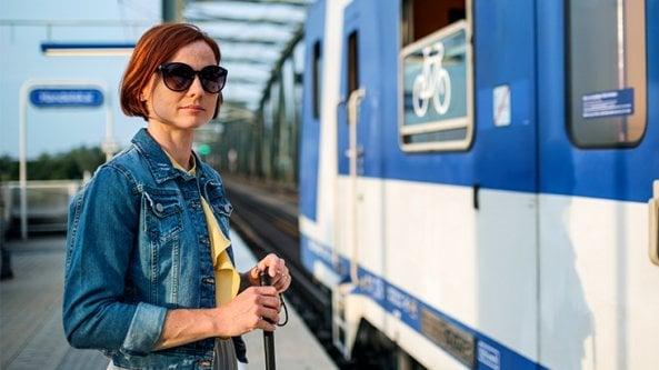 Viaggiare da soli con un deficit visivo
