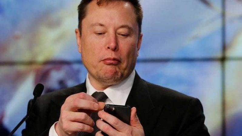 Essere Elon Musk (e twittare 5mila volte l'anno): gaffe, battute e provocazioni di mr. Tesla