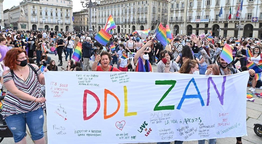 Ddl Zan, il movimento Lgbt compatto contro ogni modifica: «Basta mediazioni sulla nostra pelle» - L'Espresso