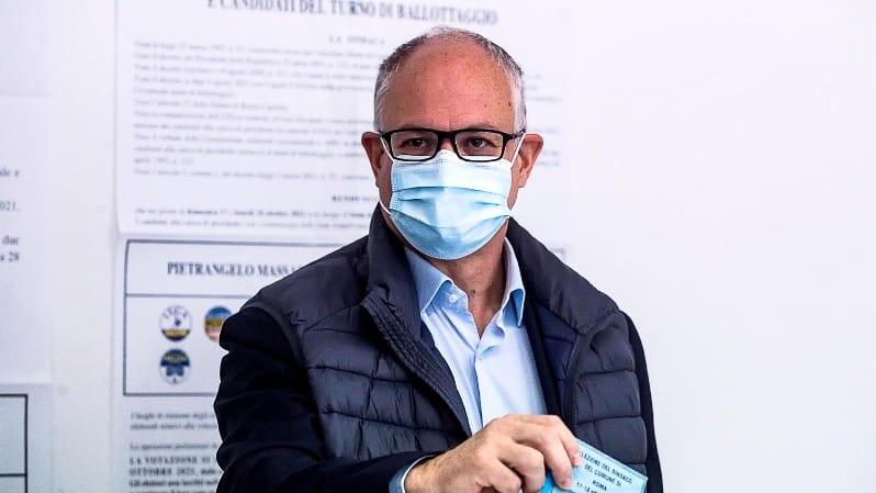 Risultati ballottaggi, non vota nessuno però perdono sempre gli stessi: Roma e Torino al centrosinistra