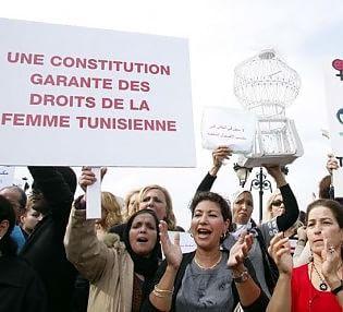 Tunisia, censure su stampa e opinioni