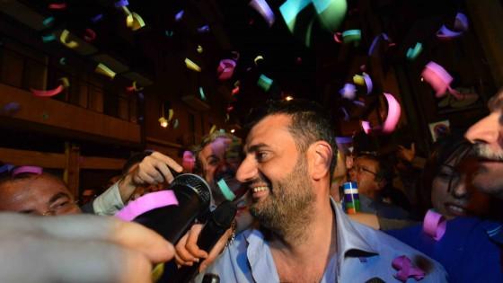 Decaro è il nuovo sindaco di Bari, il centrosinistra vola ma crolla l'affluenza