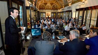 Video   - Il forum: la lezione della Sud Valley il ministro Martina: 'Innovazione e qualità'