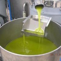 Olio 'taroccato' e dalla Spagna spacciato per biologico Made in Italy: 16 arresti in...