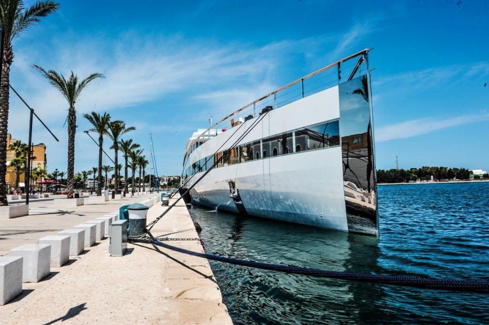A Brindisi attracca lo yacht di Steve Jobs, gioiello hi-tech da 100 milioni di dollari