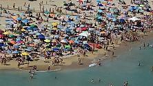 Il Ferragosto dei baresi  il pic nic si fa in spiaggia