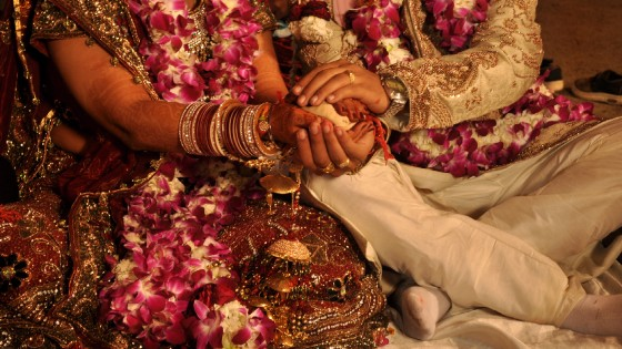 """""""Fermate le nozze bollywoodiane"""", l'ombra dei marò sul matrimonio da favola della figlia del magnate indiano"""
