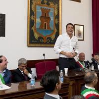 """Renzi scherza con Vendola: """"Sono più a sinistra di te"""""""