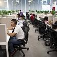 Telecamere sui dipendenti e minuti contati per il wc Cgil contro il call center lager