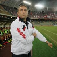 Mangia cambia modulo, Bari a tre punte contro il Livorno