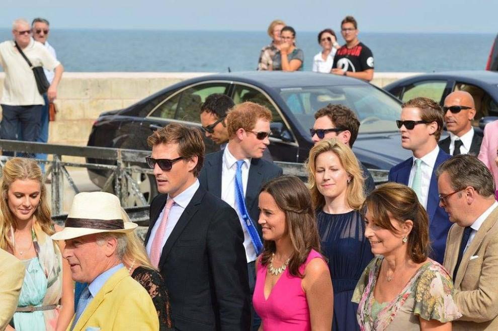 Il principe Harry alle nozze british in Puglia, Pippa Middleton con la mamma e boyfriend