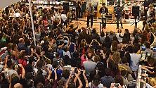 Gazzè, Fabi, Silvestri  il megastore non basta bagno di folla in libreria a Bari -  Ft  /  Vd