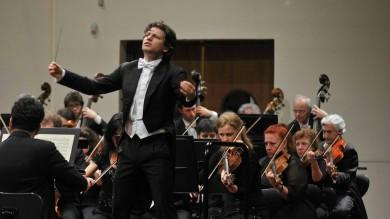Effetto-Muti sul teatro Petruzzelli Il maestro Rustioni si dimette
