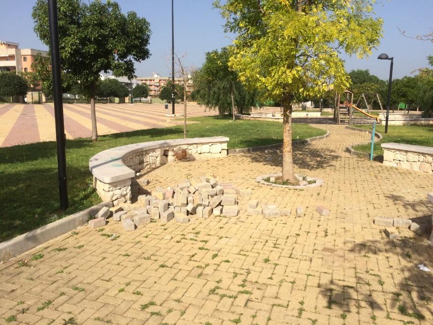 Il ritorno dei vandali nei bagni pubblici il raid con gli - Bagni a pagamento ...