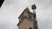 Fulmine su Lesina danneggiato il campanile della cattedrale -  Foto