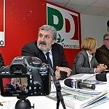 Emiliano, sfida sulle primarie  'Se perdo mi ritiro da politica'
