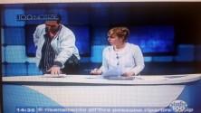 Panico durante il tg piomba nello studio e minaccia la giornalista durante la diretta   di VITTORIO RICAPITO