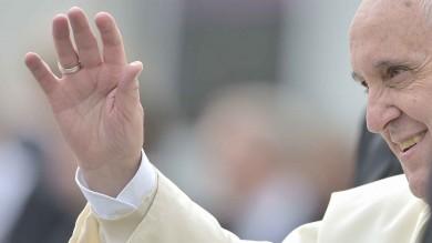 """Papa Francesco ai lavoratori dell'Ilva  """"Riscoprire il valore del lavoro umano"""""""