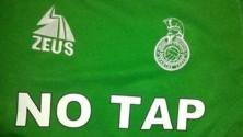 Foto  - Calcio e ambiente  in terza categoria lo sponsor è un principio il logo No Tap sulle divise   di CHIARA SPAGNOLO