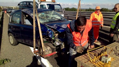 Aiuta automobilista in panne-    Ft     ragazzo di 27 anni muore investito