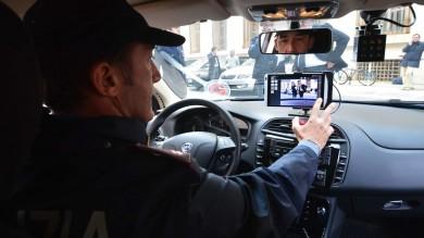 """Arrivano le prime """"volanti intelligenti"""" tablet e telecamere a bordo -     Foto      /  Video"""