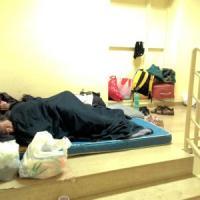 Notti d'inferno al Policlinico, il padiglione delle emergenze diventa dormitorio per cento...