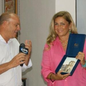 """Romina Power cittadina onoraria di Avetrana: """"Si è battuta per il nostro ambiente"""""""