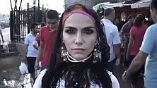 Nursad, la ribelle turca  nel videoclip hip hop  dei baresi Tenko e Scriba