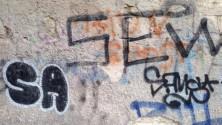 Quei frammenti  di senso sui muri e i pensieri assurdi  del Writer lento -  Foto