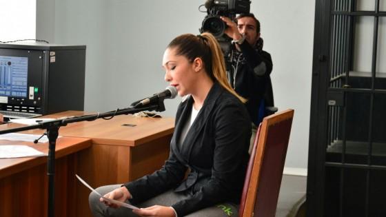 """Escort, in aula telefonata tra le donne di Gianpi: """"Sei come Noemi, puoi rovinare Berlusconi"""""""