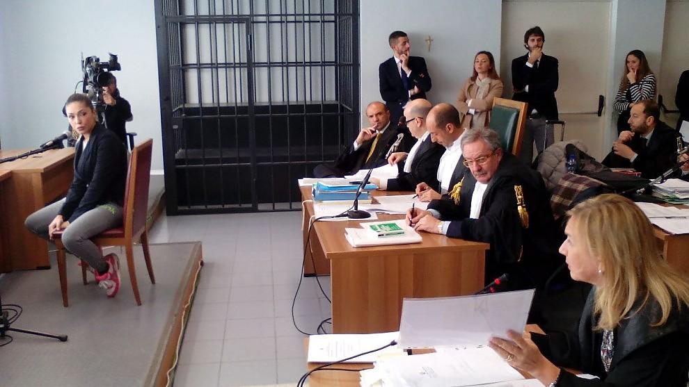 """Escort, in aula la telefonata Montereale-D'Addario """"Sei come Noemi, potresti rovinare Berlusconi"""""""