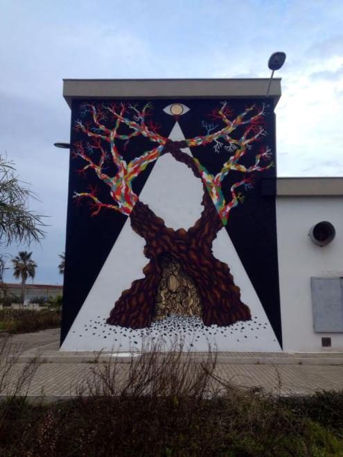 Un ulivo grande come un palazzo, la street art a San Girolamo
