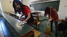"""""""Basta studiare  tra rifiuti e sporcizia le aule dell'Ateneo le puliamo noi"""" -  Foto"""